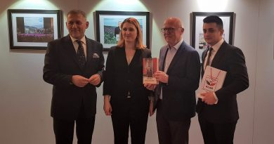 Minoritatea albaneză din România – promovată la Parlamentul European