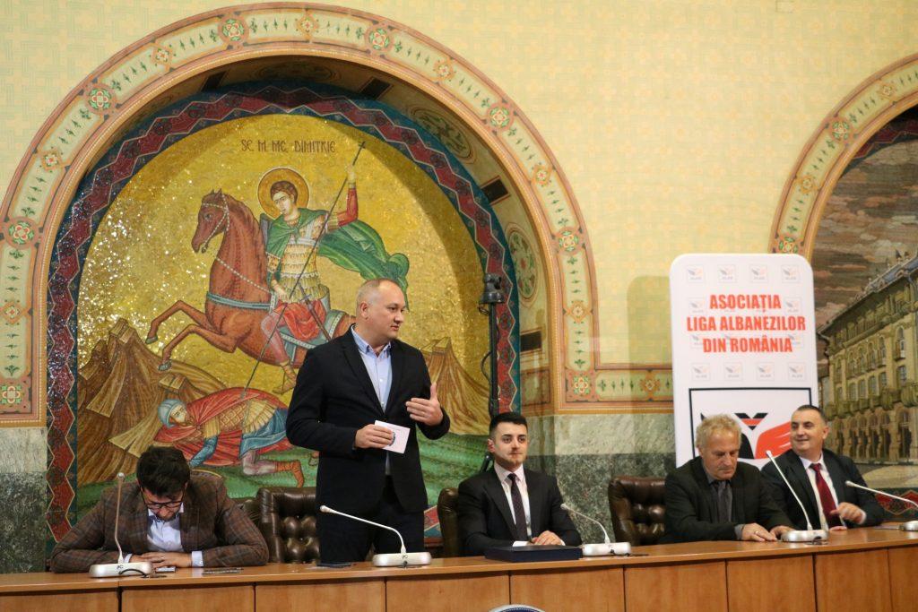 Viceprimarul Craiovei, domnul Adrian Cosman, a prezentat salutul municipalității