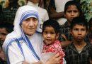 """Maica Tereza: """"Ne-am închinat viaţa lui Dumnezeu şi celor săraci"""""""